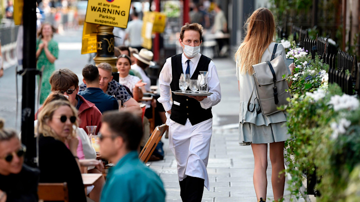 Coronavirus: What will a 10pm curfew for pubs and restaurants in England actually look like?