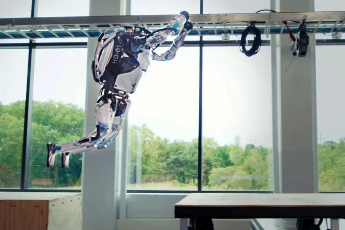 Robot giờ đã biết nhảy parkour: Con người có thể chạy thoát khi chúng nổi giận? - Ảnh 2.