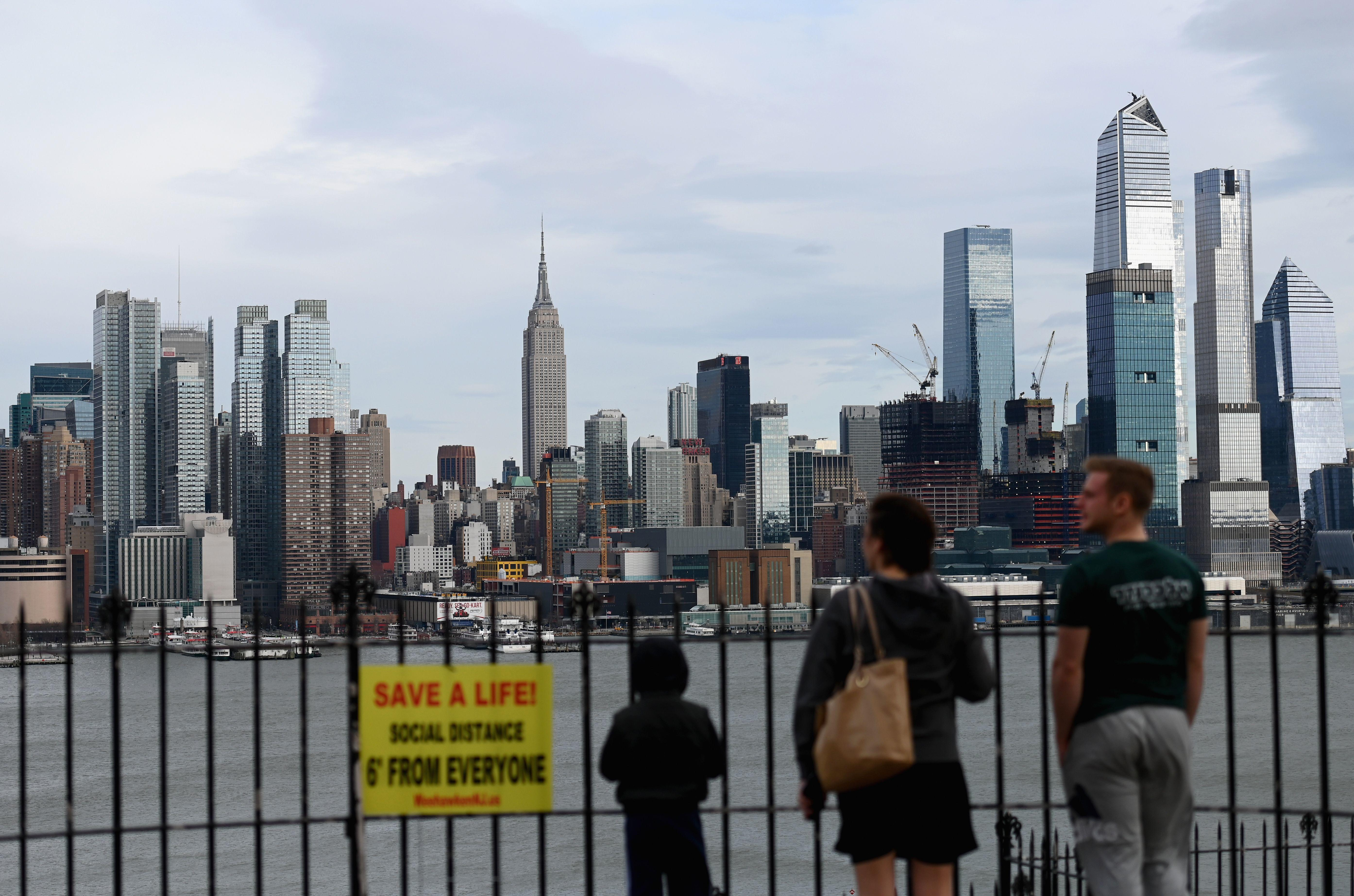 NYC setting up COVID-19 checkpoints for visitors