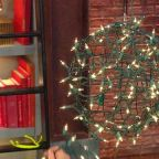 How to Make Easy Christmas Decorations With Extra Christmas Lights