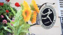 Coronavirus : une quinzaine de fleuristes parisiens livrent à domicile, annonce Interflora