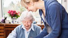 Aide à domicile : comment s'organisent les services pour les personnes dépendantes