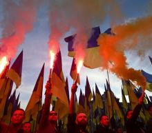 Thousands of Ukrainians march against a troop pullback