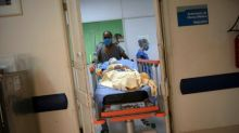 Paris: brancardier pendant le coronavirus, salarié de l'AP-HP, il se retrouve sans abri