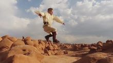 Jedi Do Parkour In The Desert