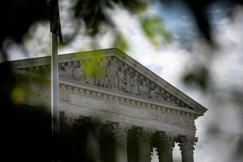 U.S. Supreme Court allows second federal execution in 17 years to proceed