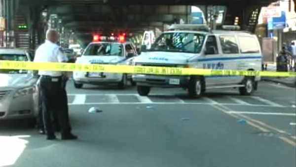 Witnesses say NYPD officer was on cell phone during crash
