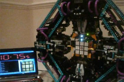 Lego Cubestormer robot solves Rubik's Cube in sub-12 second whirlwind (video)