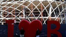 Beirut, nuovo incendio: in fiamme l'edificio di Zaha Hadid