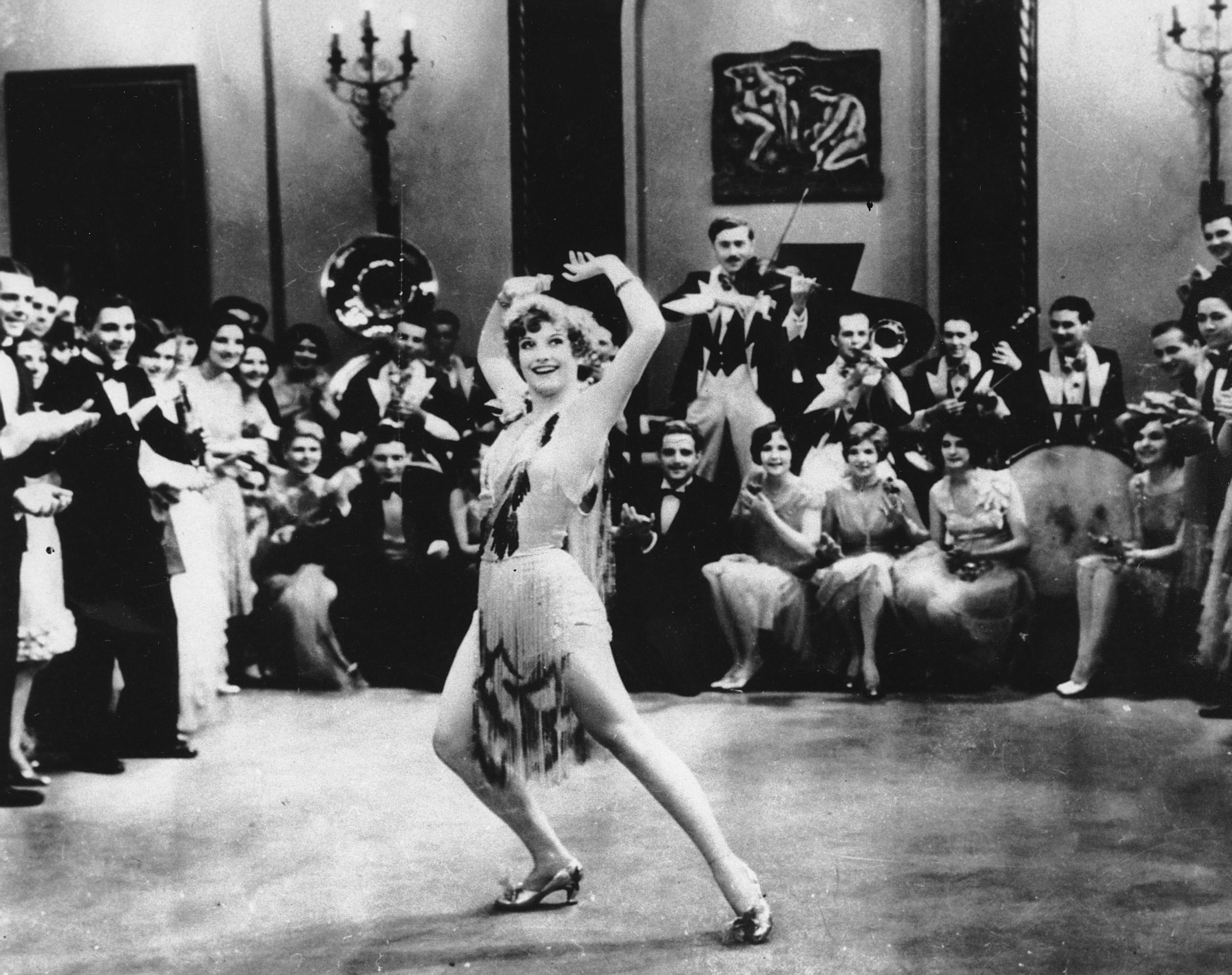 the roaring twenties in america 1 historical background the 1920s brought great changes to american culture, society, and politics the roaring twenties, as the decade was called, saw the.