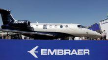 Entregas de jatos comerciais da Embraer caem 40% no 3ºtri, carteira de pedidos encolhe