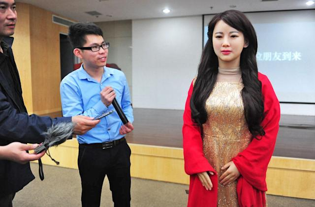 China's realistic robot Jia Jia can chat with real humans