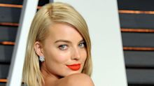 Margot Robbie Is Genuinely Unrecognisable On The Set Of Her New Movie