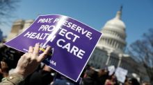 Liberal U.S. lawyers, states mull legal fight over Obamacare