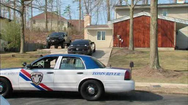 6-year-old dies after shooting by 4-year-old outside Toms River home
