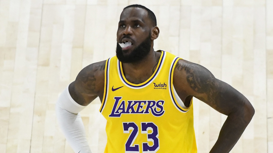 Lakers hurt by injuries, LeBron's aging body