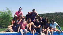 El reencuentro (en la piscina) de los ex concursantes de Operación Triunfo 1