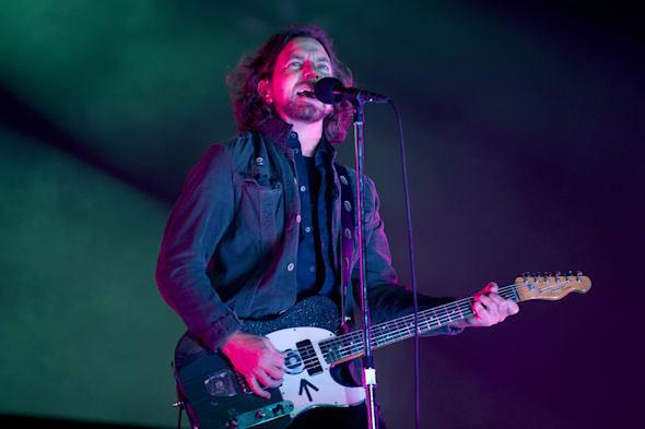 Listen to Pearl Jam's new album 'Lightning Bolt' on iTunes Radio 'First Play'