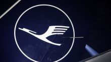 Lufthansa investors back $10 billion German government rescue
