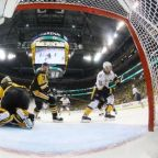 Shot-shy Penguins survive rally to claim Stanley Cup opener