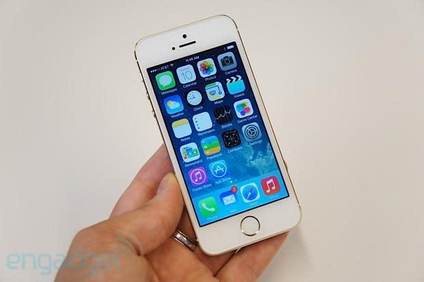 Apple iPhone 5s hands-on (update: video)