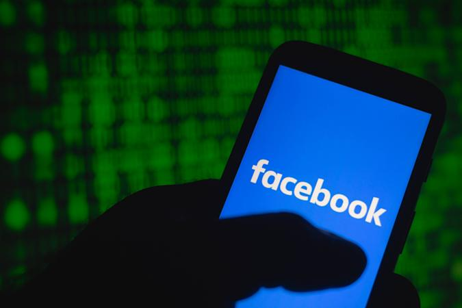 BRAZIL - 2021/08/24: In this photo illustration the Facebook logo seen displayed on a smartphone. (Photo Illustration by Rafael Henrique/SOPA Images/LightRocket via Getty Images)