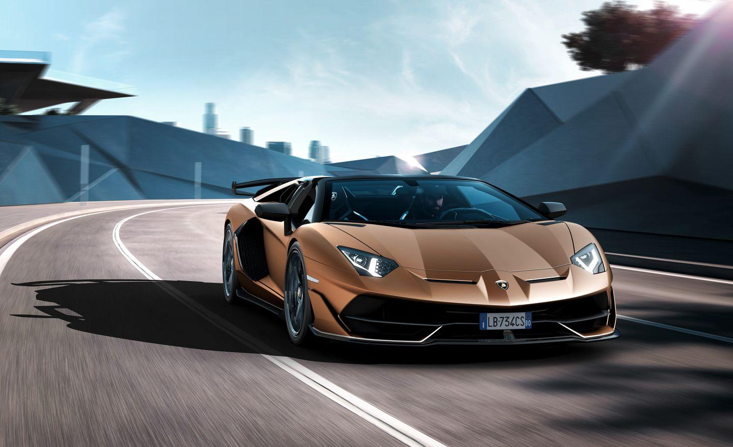 <p>That means an absurd-looking active aerodynamics package and a mid-mounted naturally aspirated 6.5-liter V-12 producing 759 horsepower and 531 lb-ft of torque.</p>