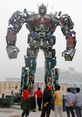 Chinese make Optimus Prime out of junk; Garbage Pail Megan Fox still nowhere to be found