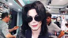 Joven lleva 11 cirugías para ser como Michael Jackson
