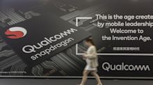 Qualcomm Shares Rise on Strong Forecast, Huawei Agreement
