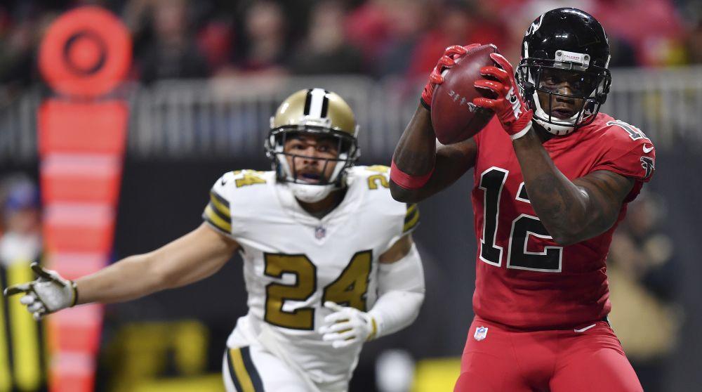 Atlanta Falcons wide receiver Mohamed Sanu (12) makes a touchdown catch against the New Orleans Saints. (AP)