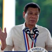 Philippines' Duterte: Obama must listen to me on human rights