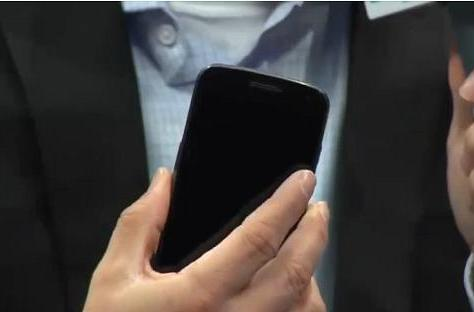 Sprint's Galaxy Nexus shown on Engadget's CES stage by David Owens!