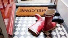 Usar sapatos dentro de casa: de quantos germes estamos falando exatamente?