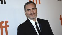 Joaquin Phoenix dedicates his acting career to his late brother River in emotional speech