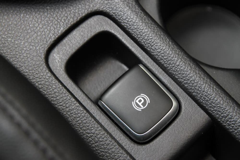 電子駐煞車也列為旗艦版以上配備