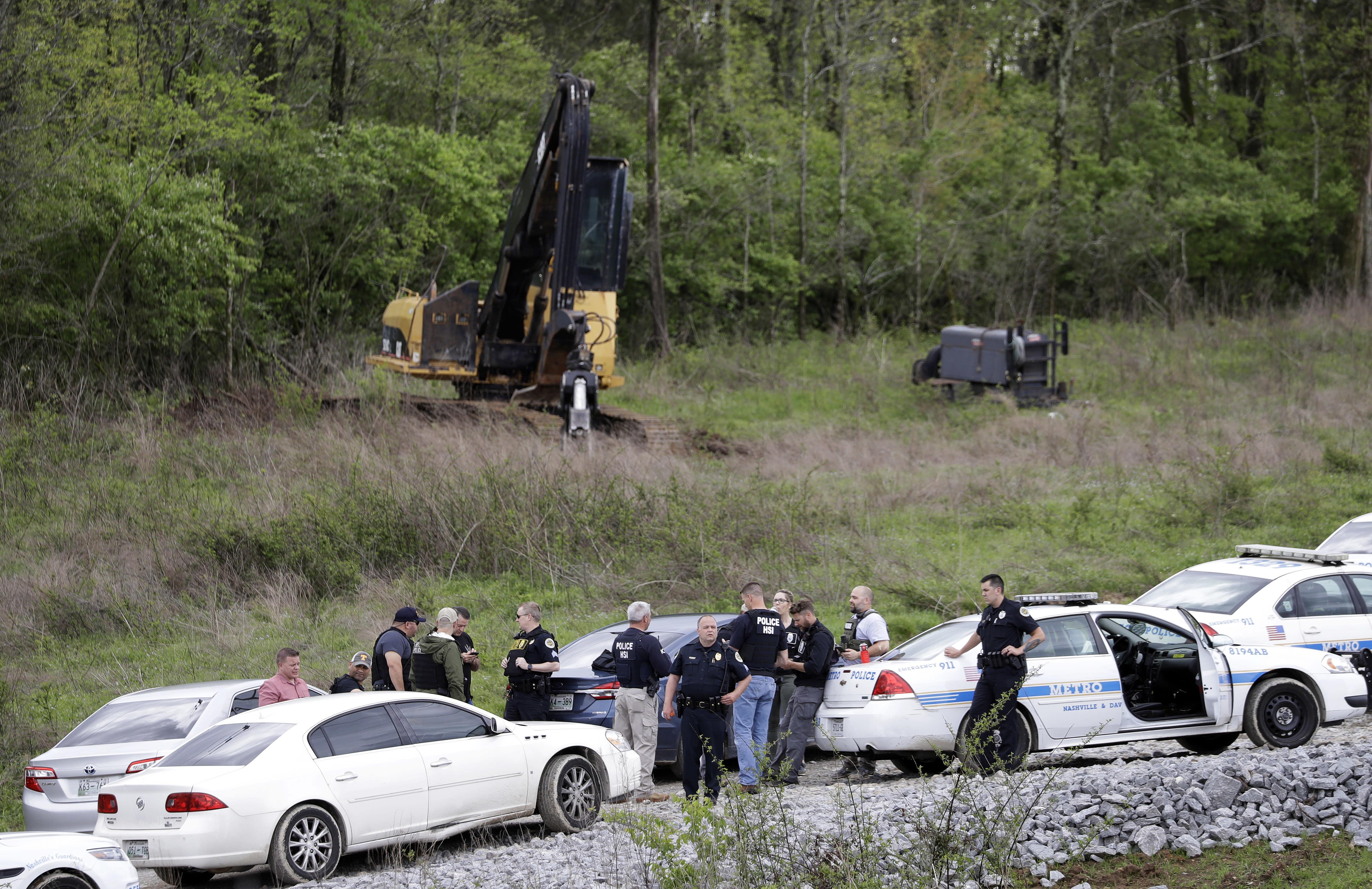 Nude gunman kills four at Tennessee waffle house - World News