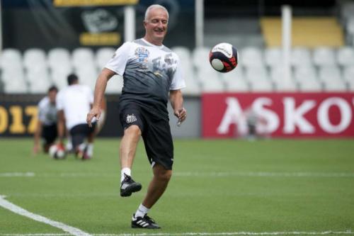 Dorival confirma Braz como titular e cobra 'imposição' do Santos no Peru