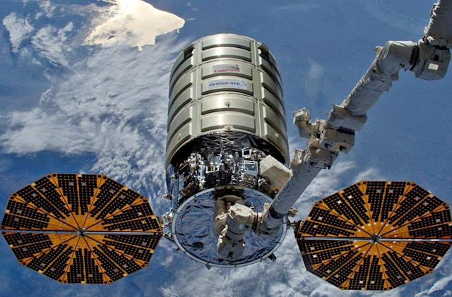 NASA conducts largest fire experiment in space (update)
