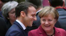 Merkel und Macron unterzeichnen Freundschaftsvertrag in Aachen