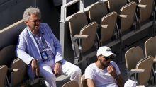 VIDÉO - Trop bruyant, Nelson Monfort perturbe et interrompt un match de Roland-Garros