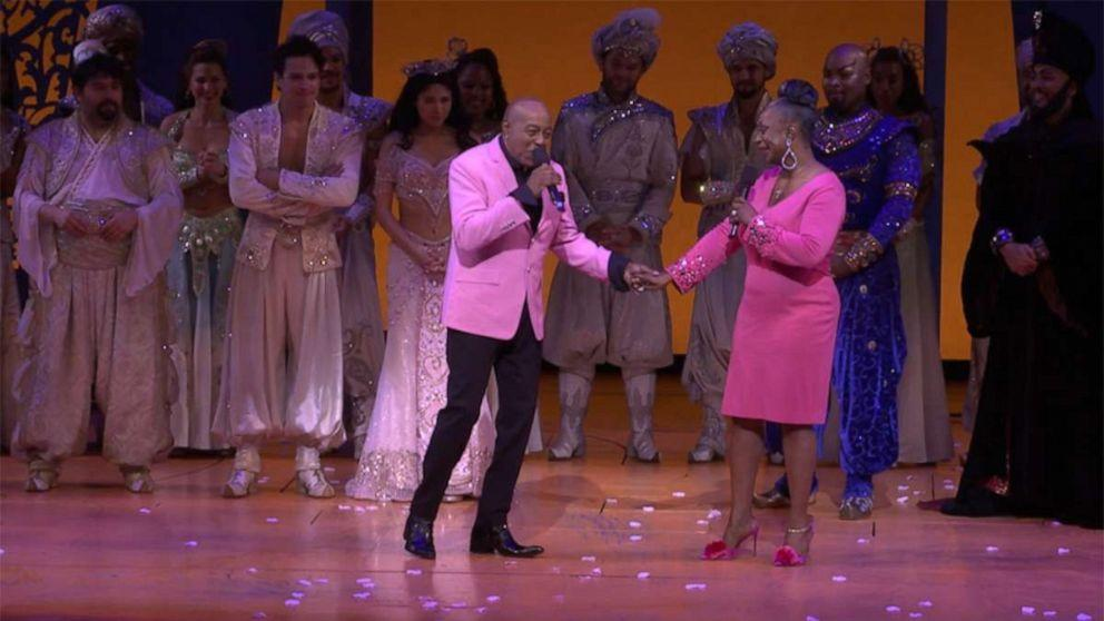 Regina Belle and Peabo Bryson reunite to sing their classic, 'A Whole New World'