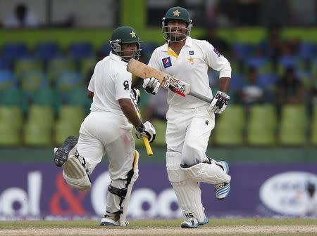Shafiq Sarfraz Give Pakistan Handy Lead Against Lanka
