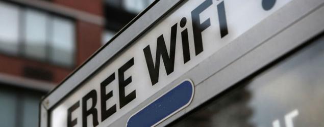 """""""Free WiFi"""" sign. (Yahoo Finance)"""