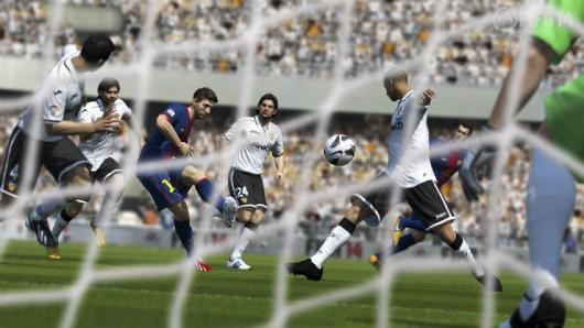 Six weeks and counting: FIFA 14 still leads the UK charts