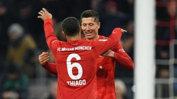 Bayer Leverkusen vence e se mantém na luta por vaga na Champions