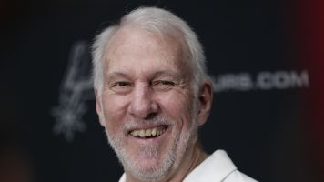 Popovich continues taking shots at Trump