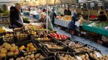 Confinement: pour remplacer les marchés, des paniers de produits frais à la commande à Lyon