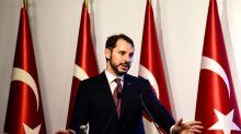 """La Turquie jure d'émerger """"plus forte"""", écarte toute aide du FMI"""