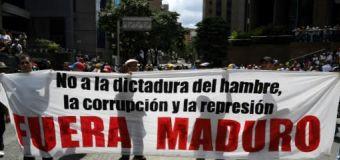 Guaidó enciende a opositores de Maduro en las calles